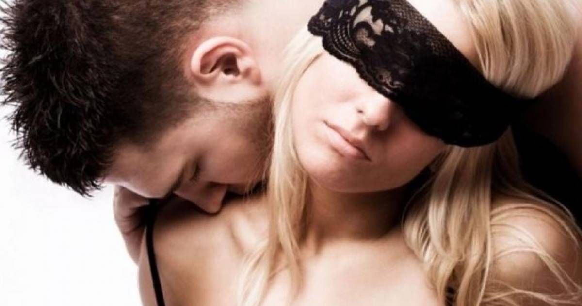 Erotic kissing tips improving sex, increasing frequency and orgasm  intensity. Enhanced, more passionate foreplay through sensual, erotic kissing  techniques.