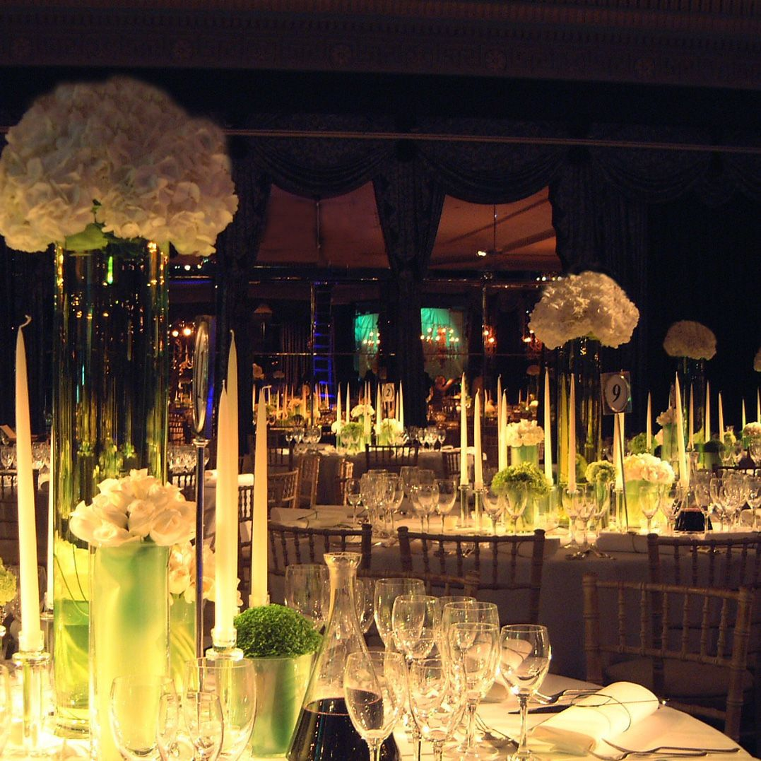 Table Bar Rangements Green Glass And Hydrangea For A Bar Mitzvah The