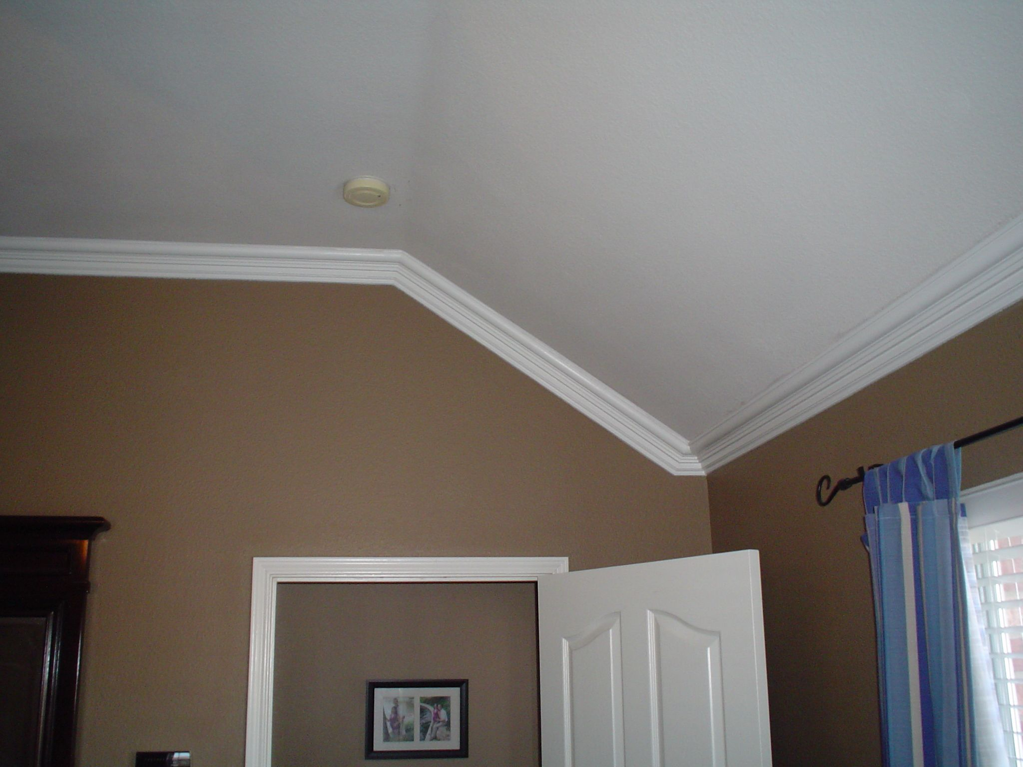 How to cut crown molding for sloped ceiling (inspiration pic only ...
