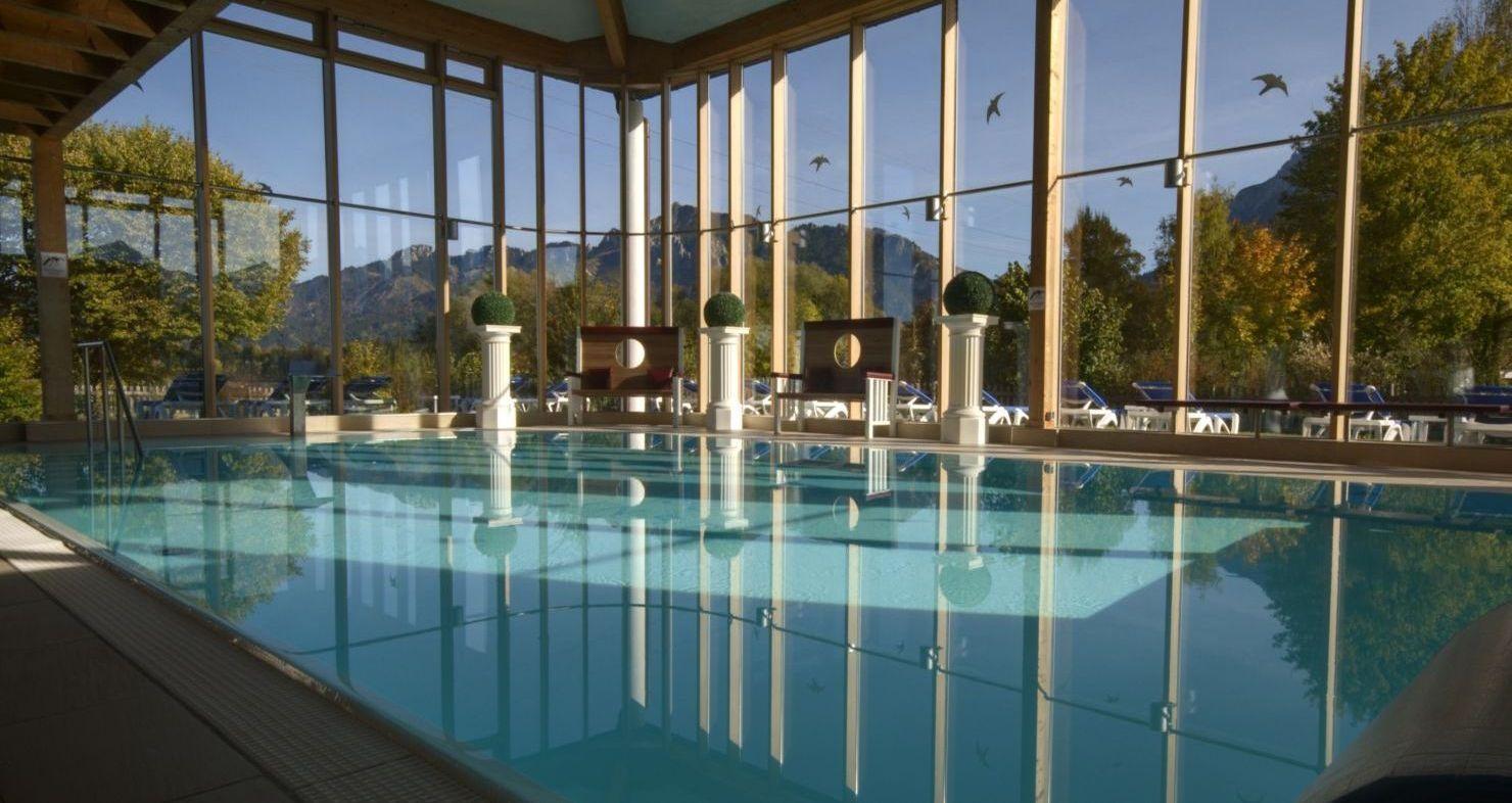 Tauchen Sie ein in die Bäderlandschaft des Wellnesshotels Sommer. Wasser, pures Lebenselixier, natürlich und rein, voller Energie und Frische. Lassen Sie sich beleben.