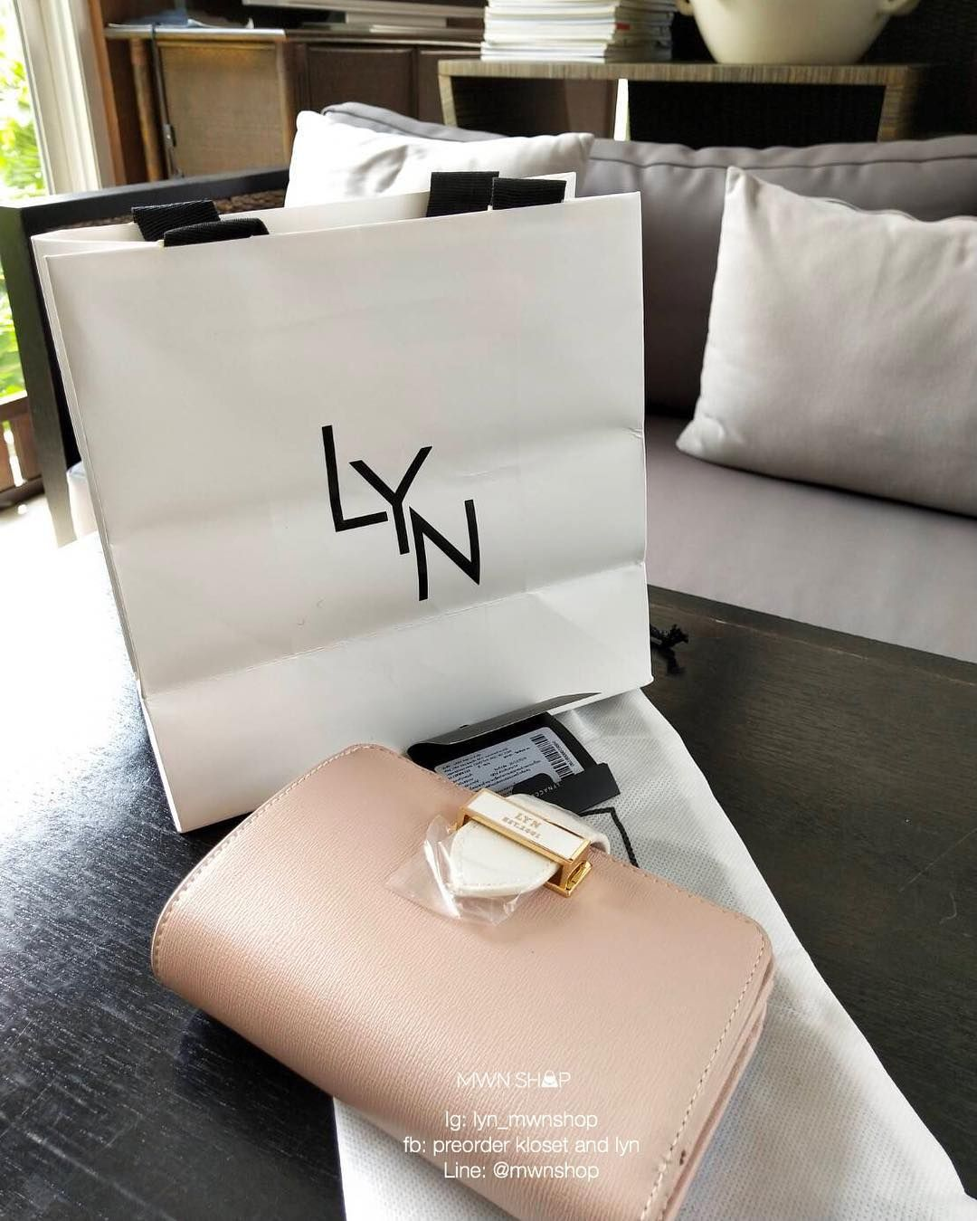 8e6a2498f2fd Review lyn new collection Beautiful short wallet Thank you very much (1,550  today, the