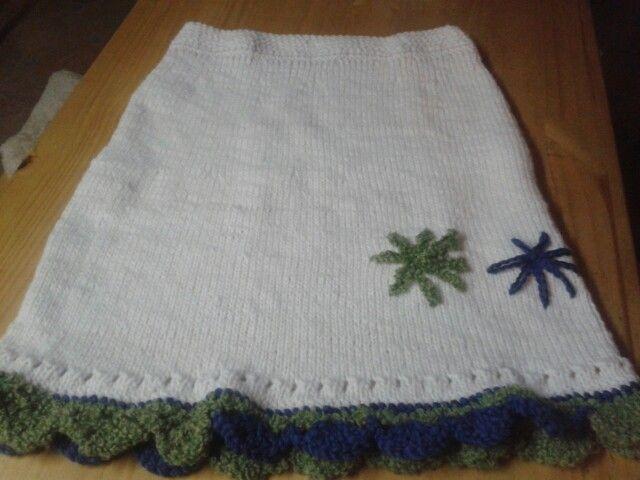 1b2a1acb8 Falda tejida a palillo(dos agujas) con lana de la patagonia ...