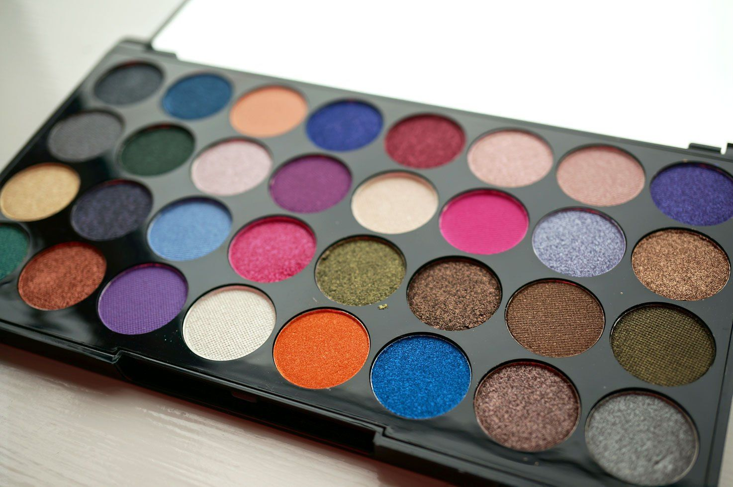 Makeup Revolution Ultra Eyes Like Angels Eyeshadow Palette