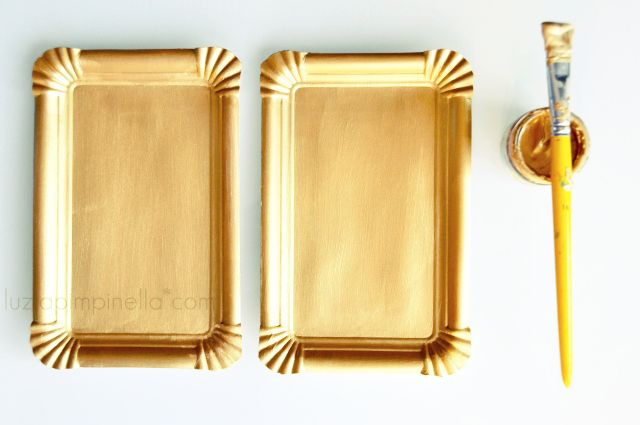 DIY: turning simple paper plates into gilded frames for photos ...