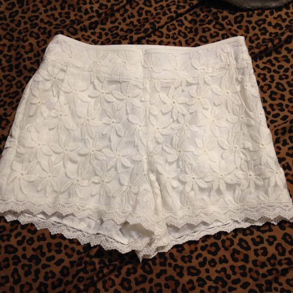 White Floral Lace Shorts Super cute and never worn! Comes from a smoke free home with no defects! Shorts