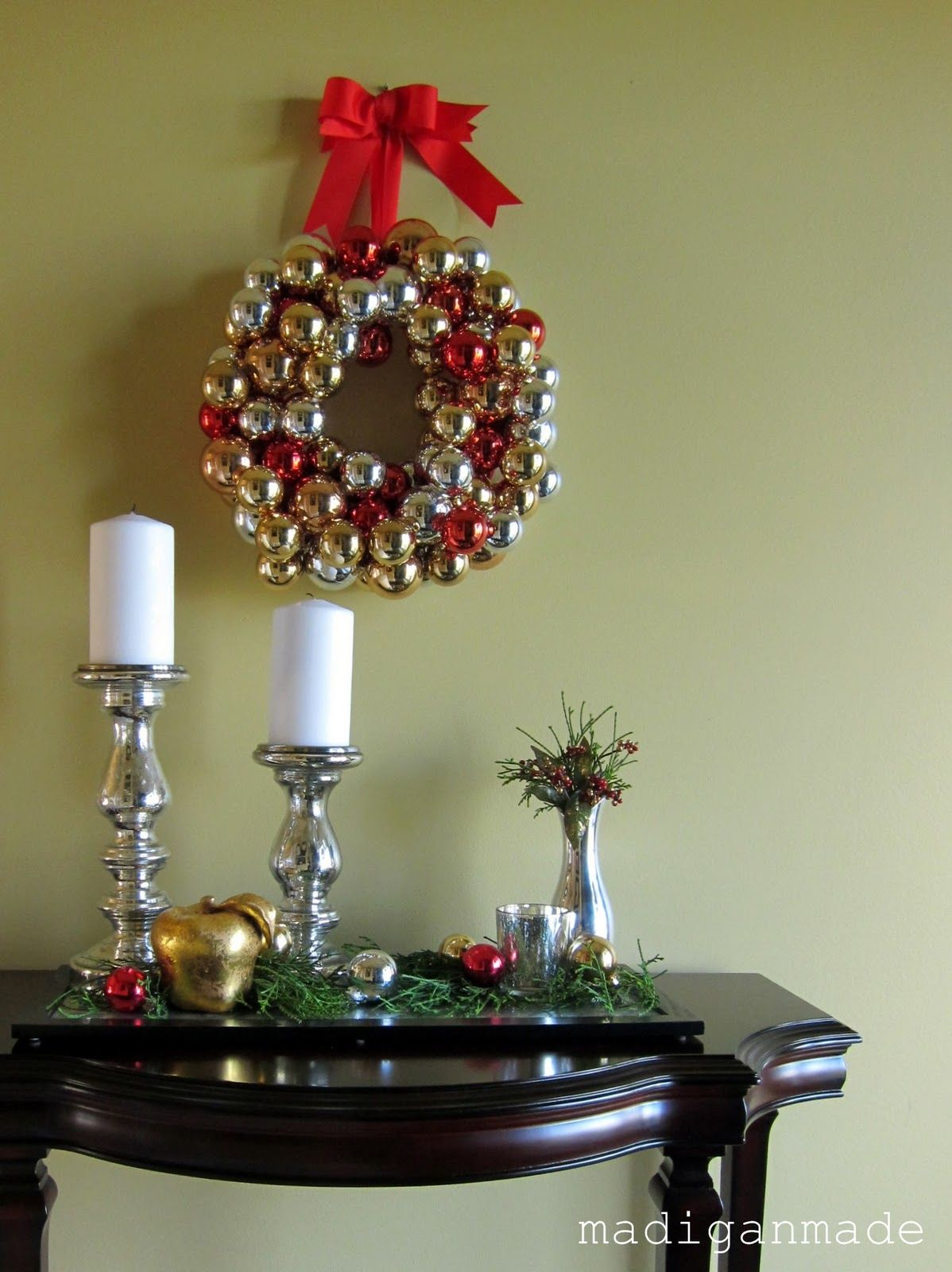 Wreath made out of ornaments