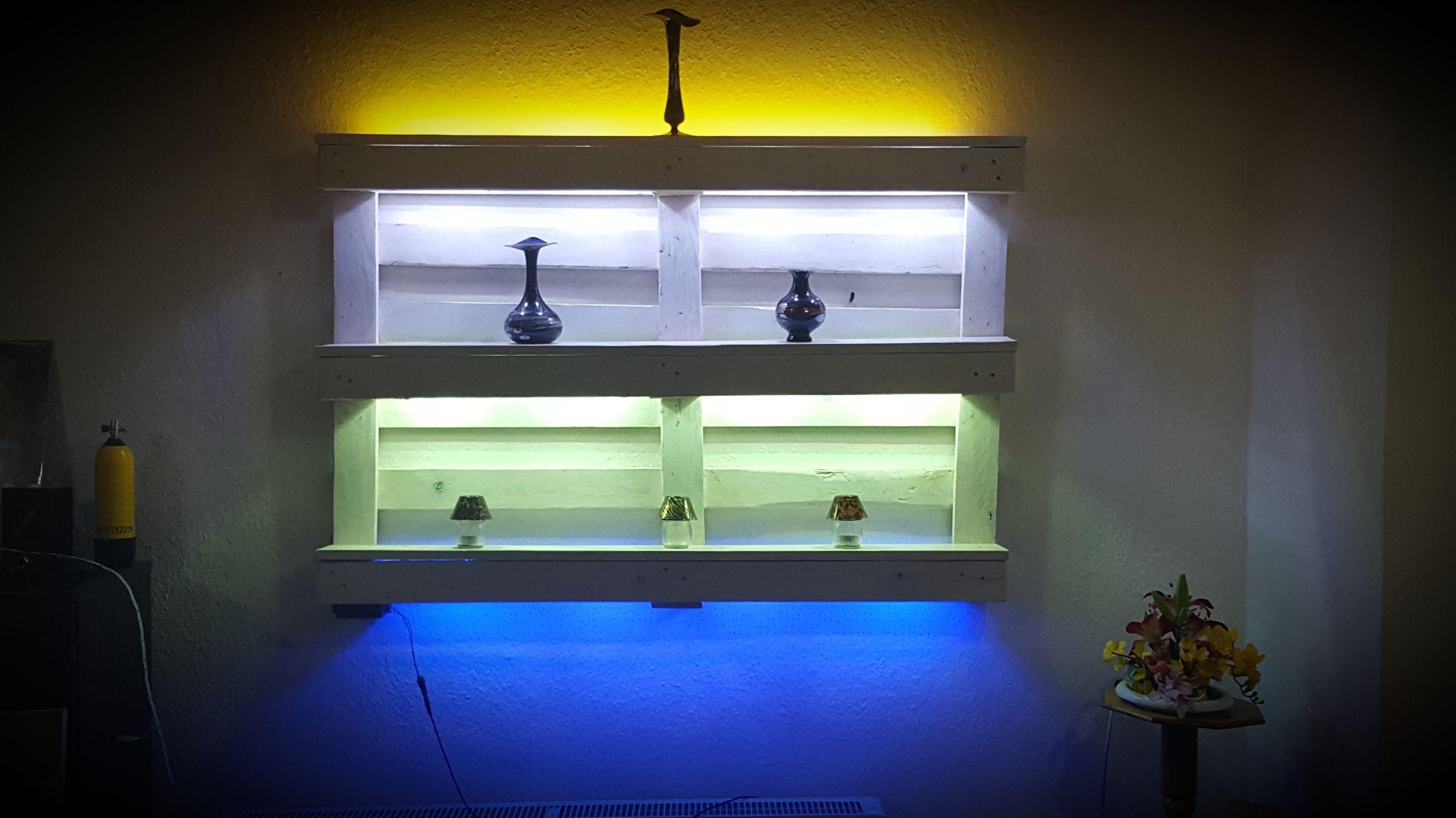 Paletten Regal Mit Led Beleuchtung Led Beleuchtung Regal Aus Paletten Beleuchtung