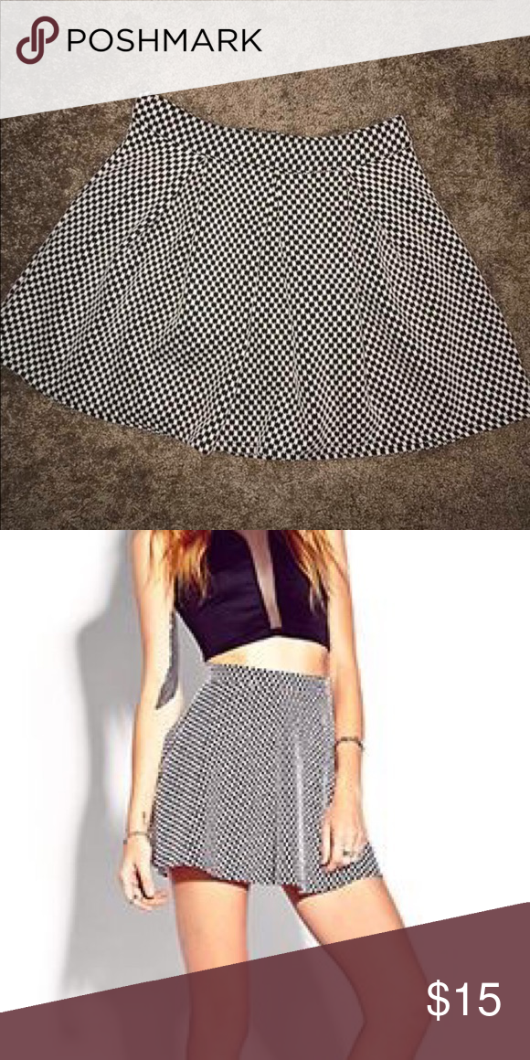 40a75d8344 Black & white checked skater skirt Black and white checkered Aeropostale skater  skirt | size medium | never worn Aeropostale Skirts Circle & Skater
