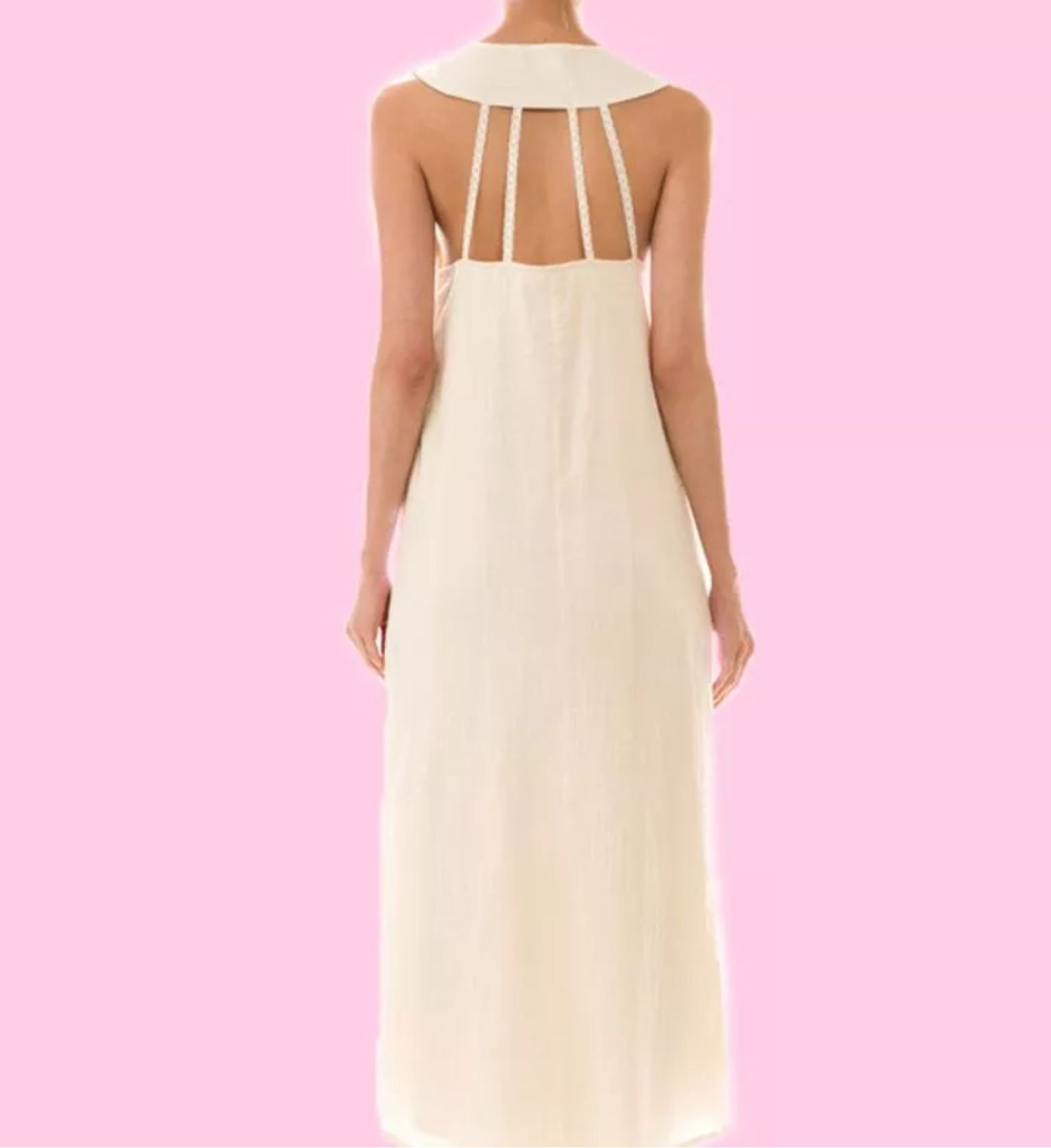 This beautiful fully lined ivory maxi dress features a lace trim