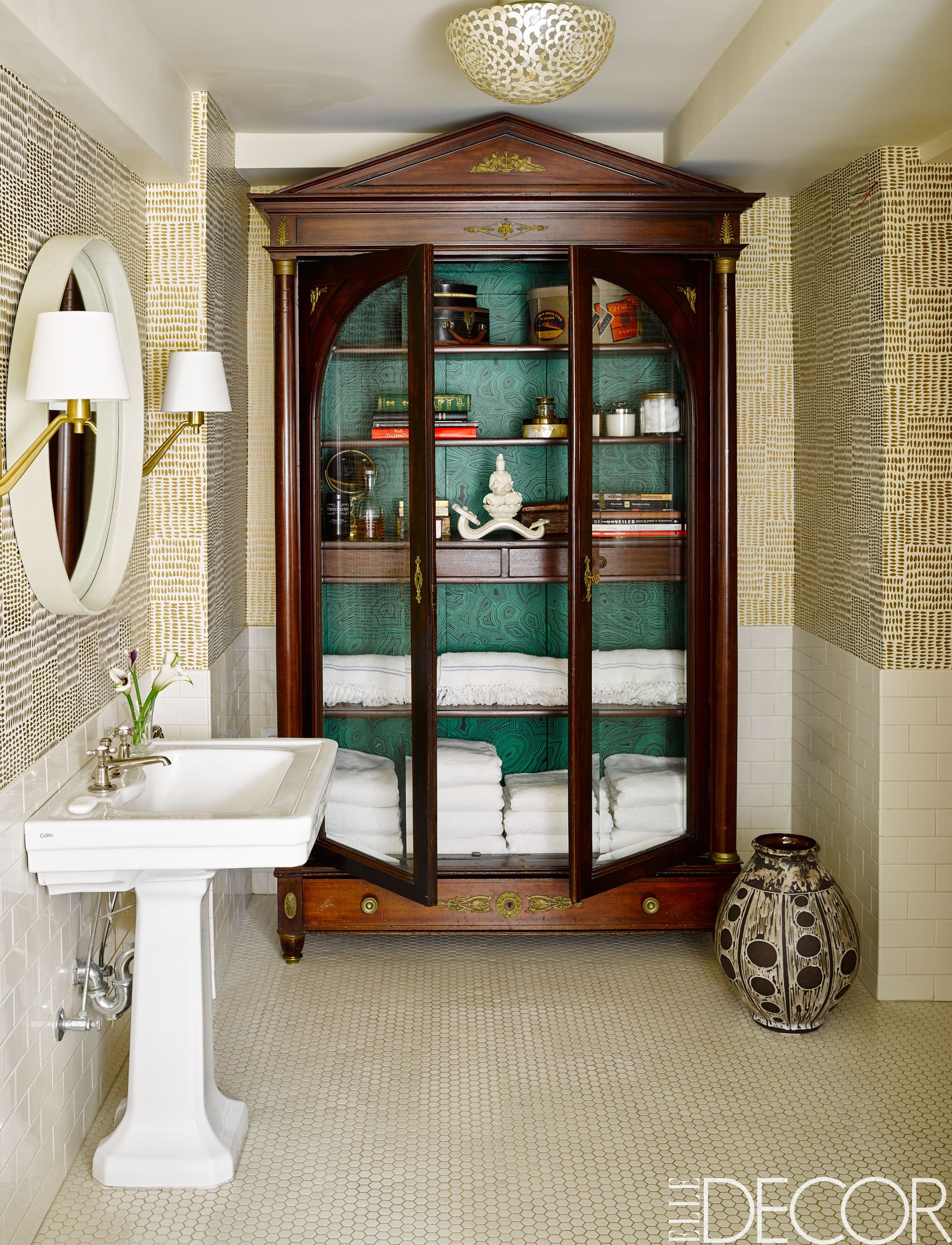 These Small Bathroom Ideas Are Big on Style