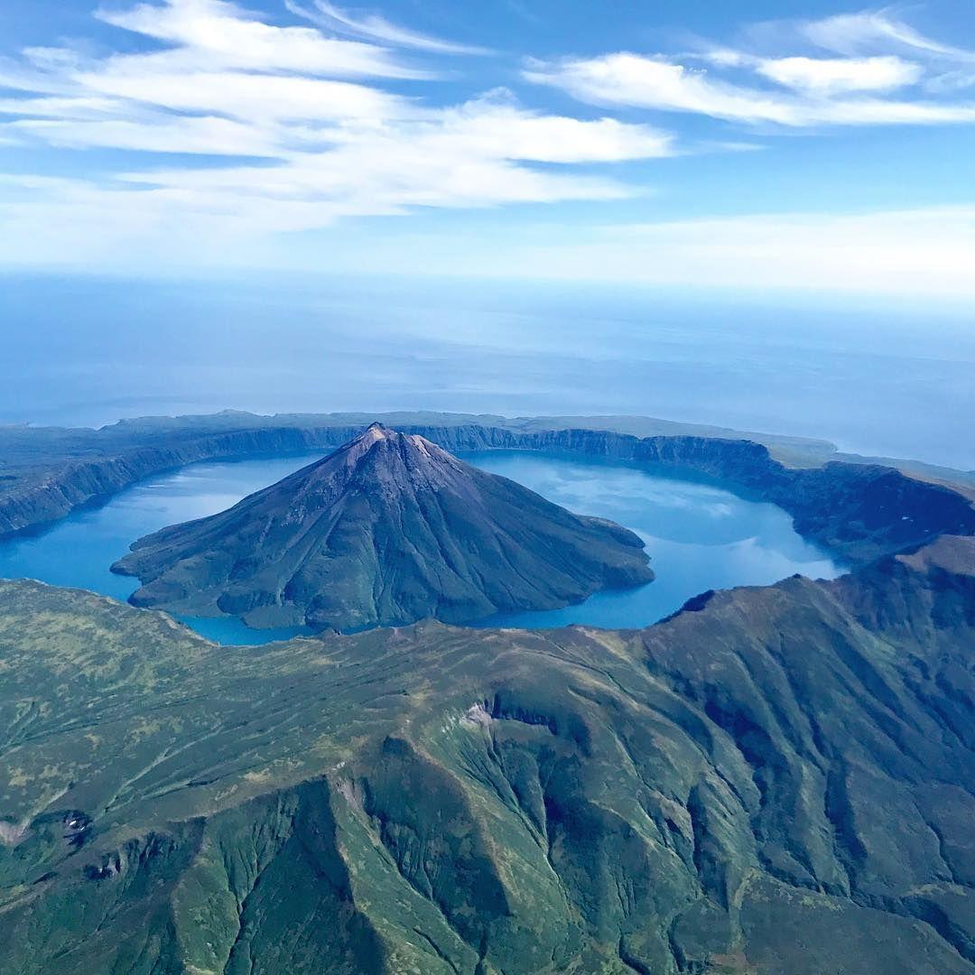 пост картинки про остров вулкана может невинный
