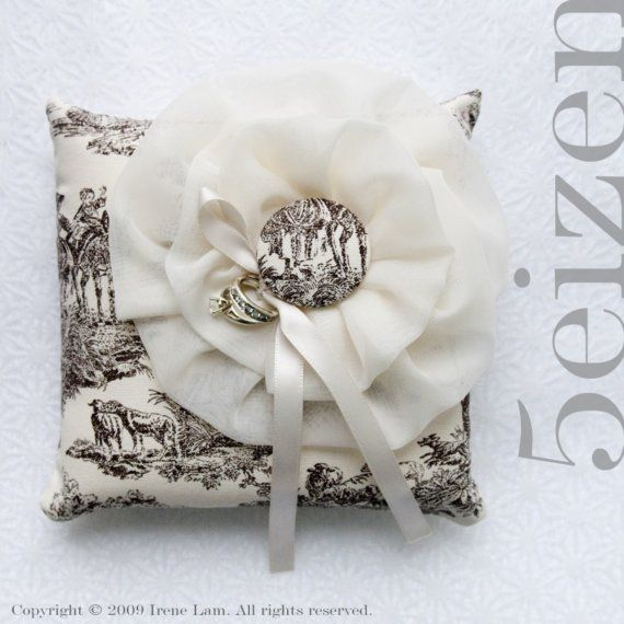 most amazing vintage ring bear pillow