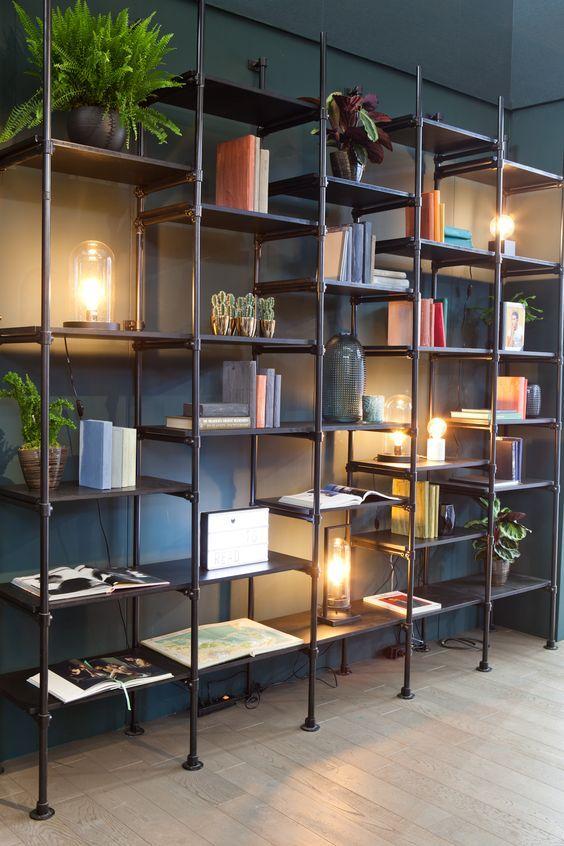 Welkom In Het Boutique Hotel Van Karwei Industrial Kast