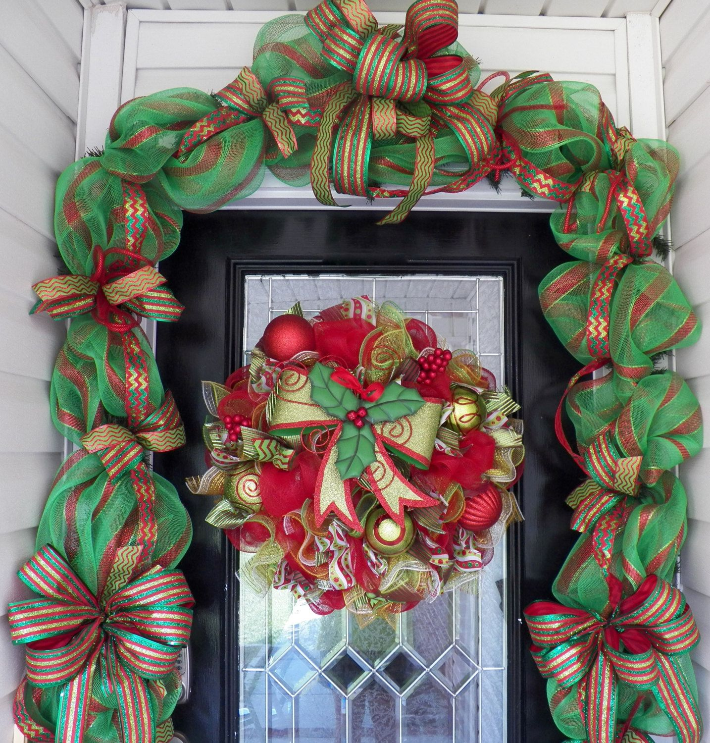 Holiday Wreath With Door Garland Christmas Wreath Christmas Garland Wreath And Garland Set Door Decor Christmas Wreaths Christmas Garland Holiday Wreaths