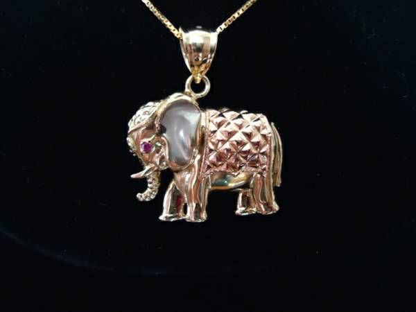 Tri-gold Elephant pin $430