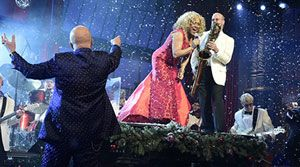 Late Show With David Letterman - CBS.com      Darlene Love sings one last time for Dave.
