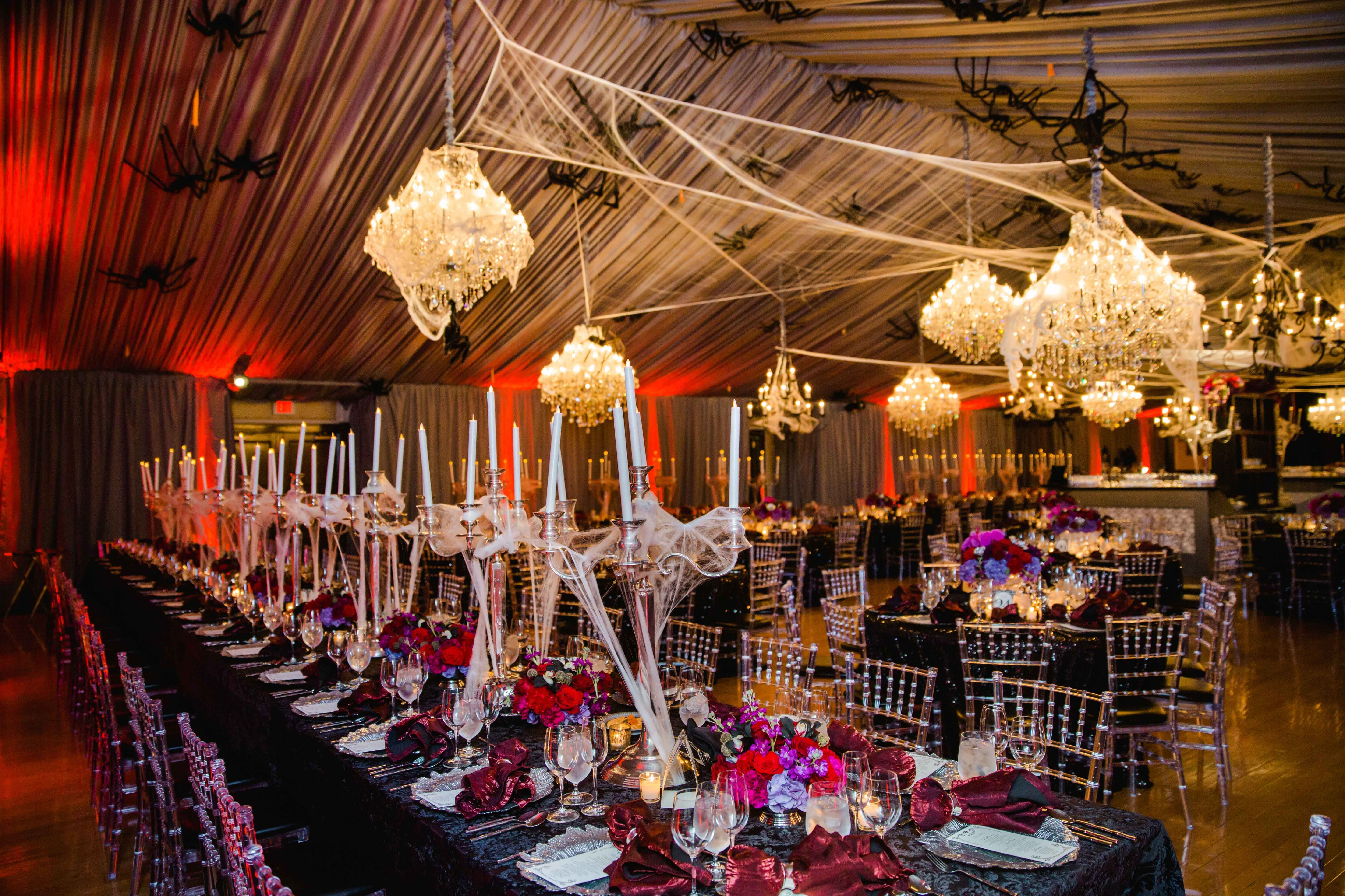 Discover A Stylish Halloween Themed Real Wedding Halloween Themed Wedding Halloween Wedding Stylish Halloween