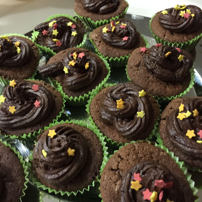 Cupcakes de xocolata fets amb la Lekue Decomax, èxit total, varen volar!!!