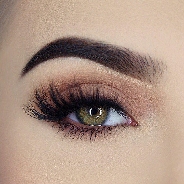 "Photo of Paulina on Instagram: ""My go-to everyday eye makeup this summer  @smashboxcosmetics Photo Matte Eyes Palette (Rosehip, Blackout), @diamond_japney Desired lashes,…"""