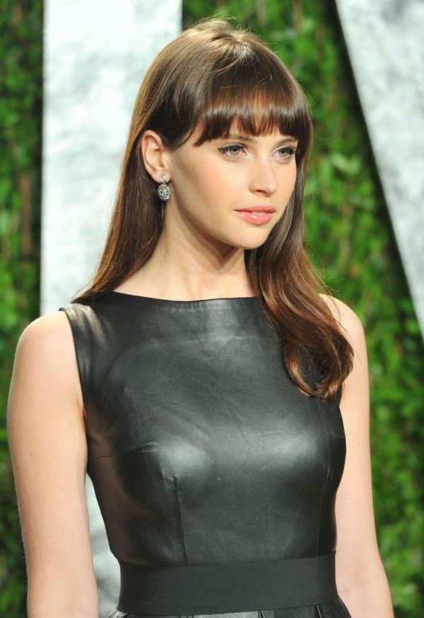 felicity jones boobs