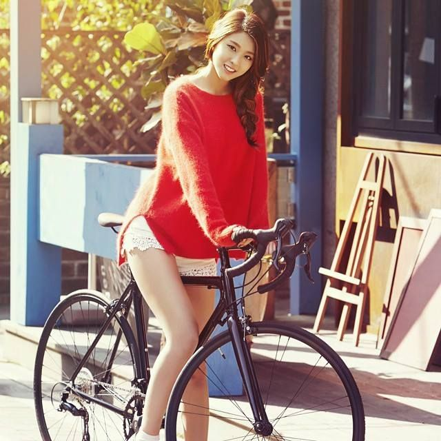 Yuri kwon snsd bike hot shorts - 2 part 6