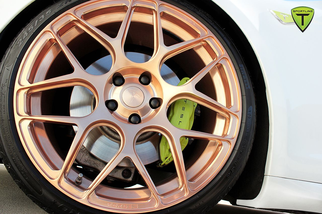 Rose gold wheel and complementary color caliper Gold