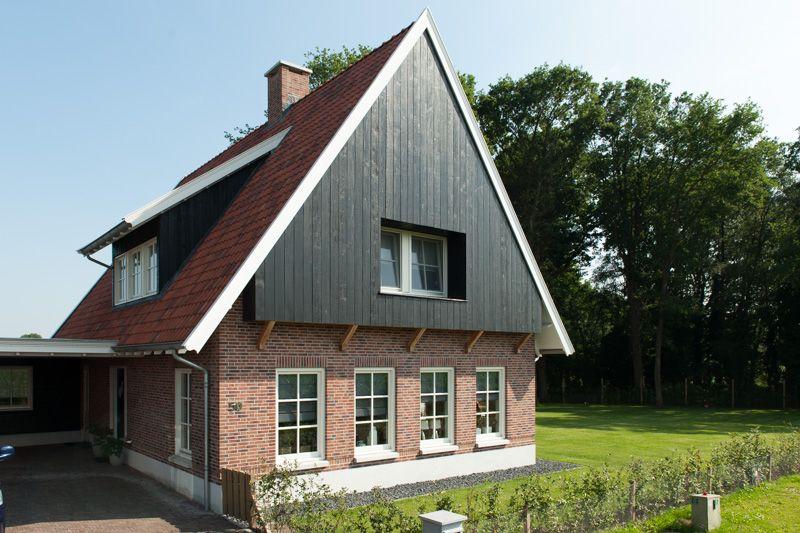 Landelijk bouwen is nostalgie met toekomst dat geldt voor het gebruik van natuurlijke - Exterieur ingang eigentijds huis ...