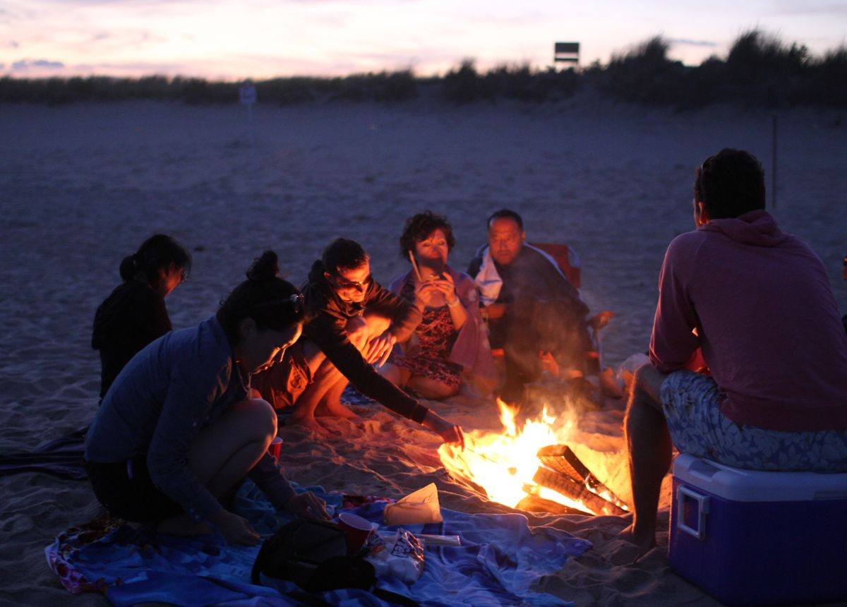 Beach bonfire. | Summertime | Pinterest | Beach bonfire ...