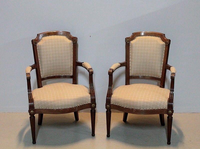 paire de fauteuils louis xvi en acajou