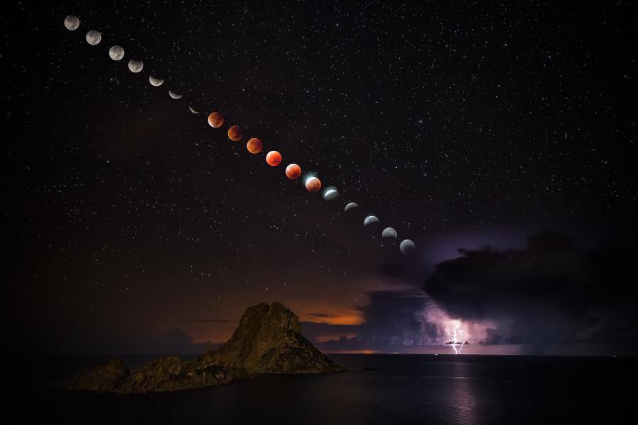 Blood Moon by Jose Antonio Hervas https://500px.com/photo/123250511/blood-moon-by-jose-antonio-hervas… #photography #canon @JoseHervasMora