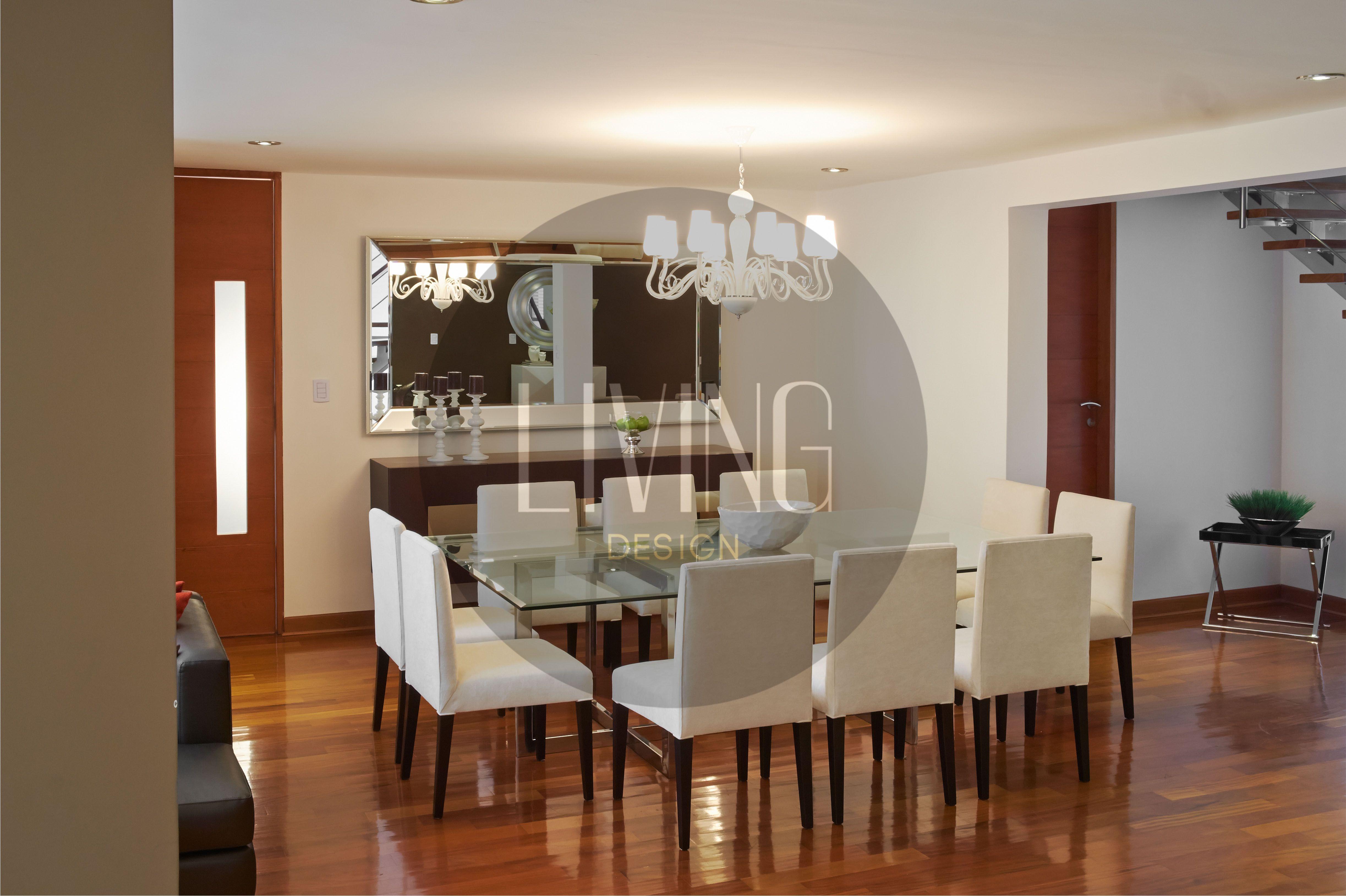 Comedor sillas modelo duna y base de acero brillante for Modelos de mesas de comedor