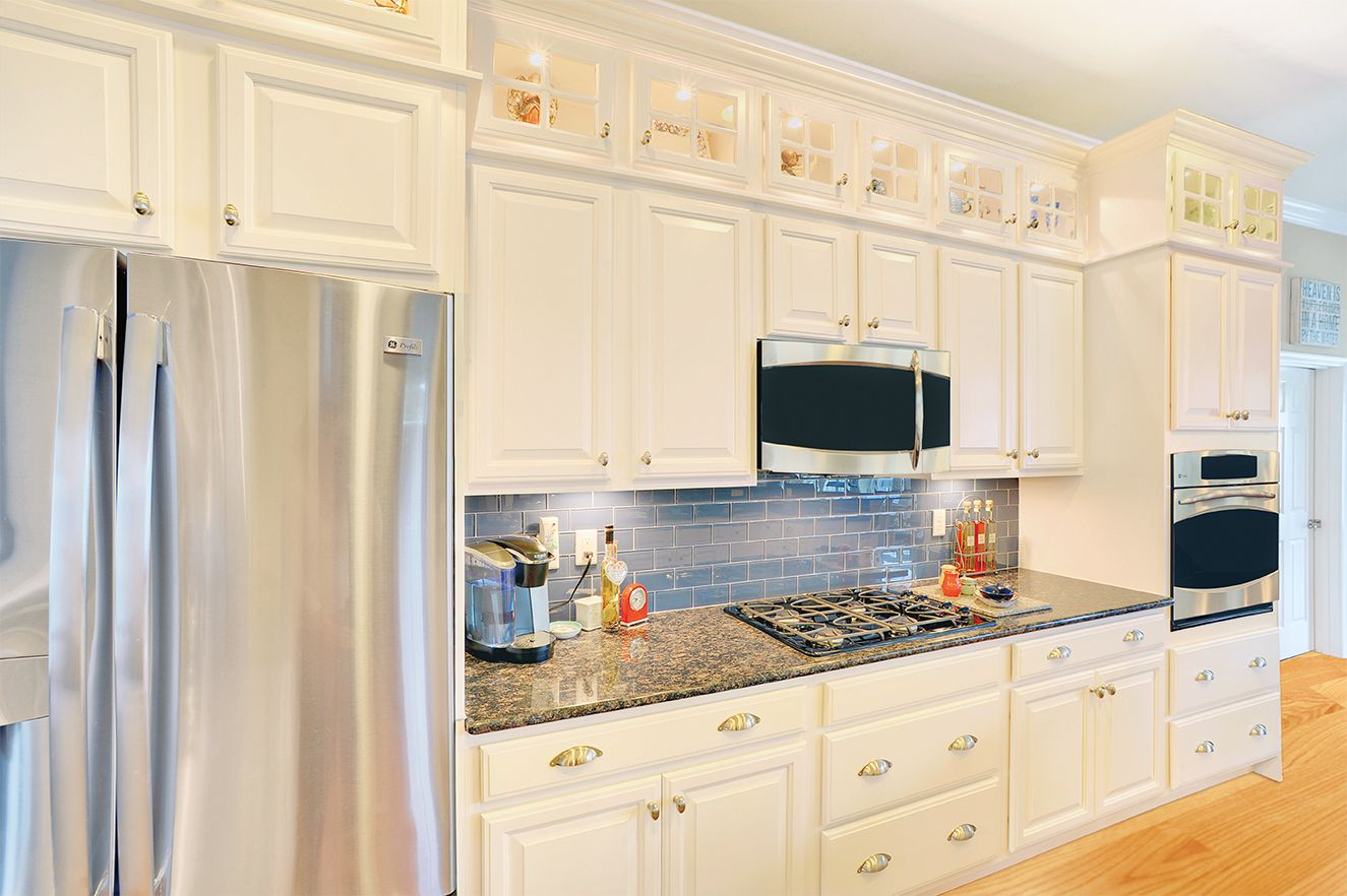 Wellborn Cabinets have never looked so great! #kitchen # ...