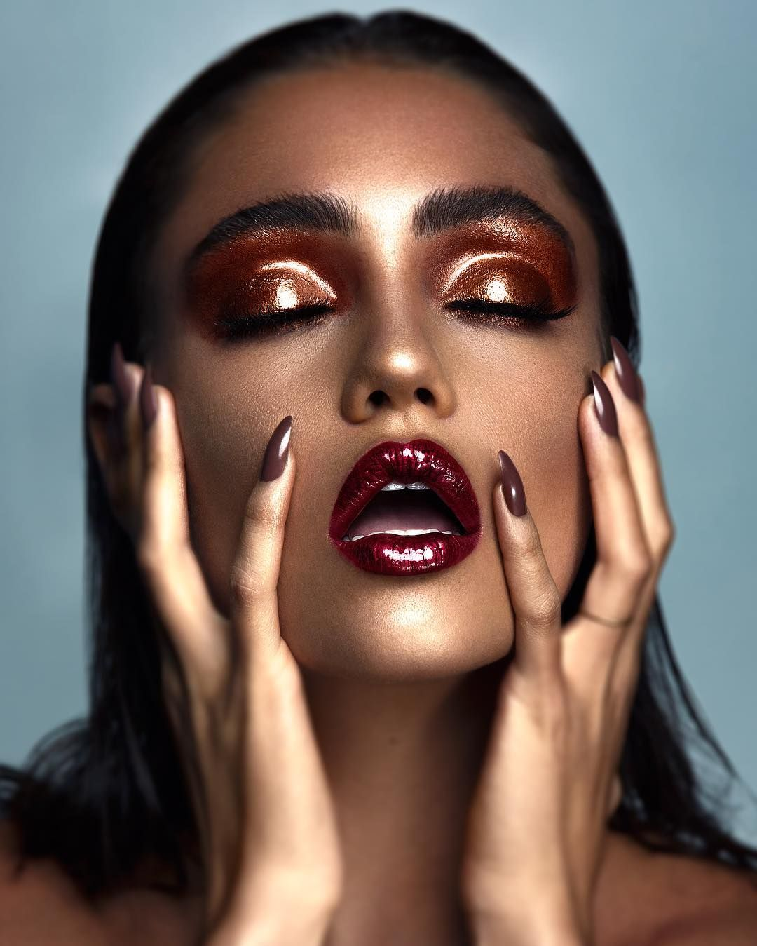 Glossy Eye Makeup Red Lipstick In 2019 Photoshoot
