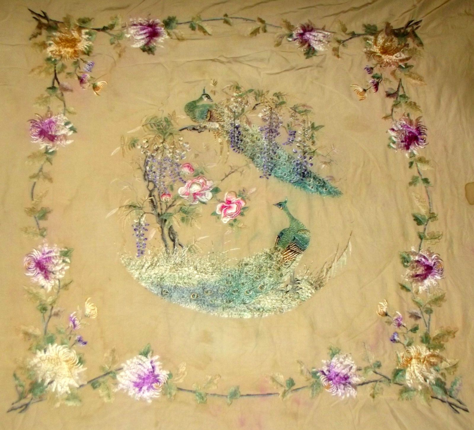 A LARGE QUALITY ANTIQUE VINTAGE CHINESE SILK EMBROIDERY QING DYNASTY 19th C