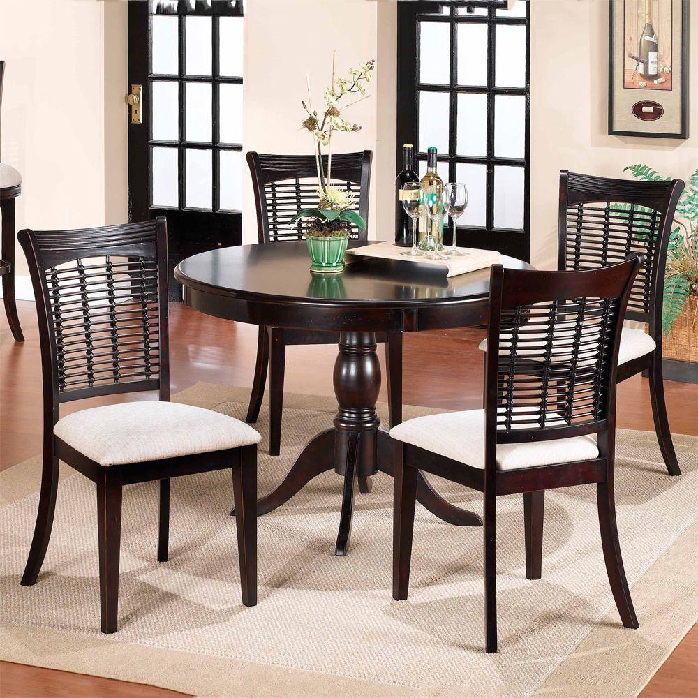 Runde Kuche Tisch Und Stuhle Fur Die Kleine Familie Esszimmer