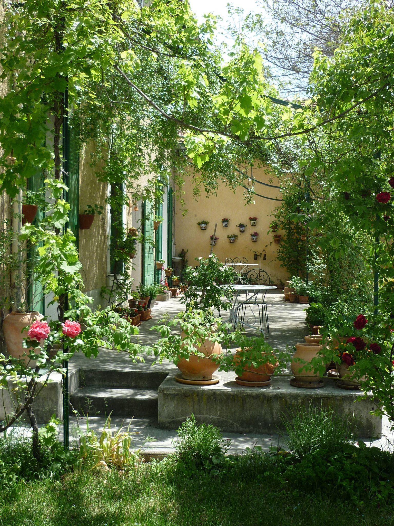 6a00d8341bfb1653ef01a3fcdca35e970b pi 1536 2048 for Rincones de jardines con encanto
