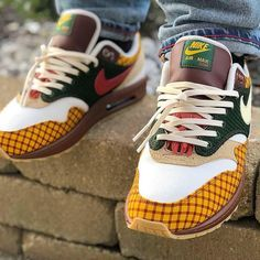 reputable site 0ab67 892d6 Who s hyped for the Missing Link x Nike Air Max Susan  by  cheddar2345