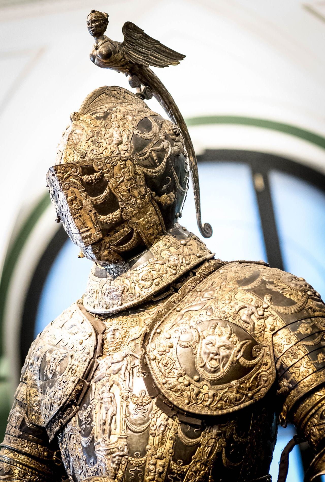 """Ferdinand II armor. Created by Lucio Piccinino (1550-1589). Gift from Alessandro Farnese, Duke of Parma and Piacenza """