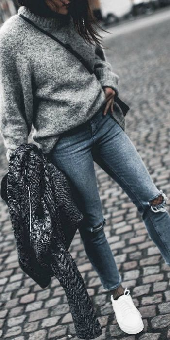 Monja Wormser + fishnet tights + ripped jeans + masterclass + layer with texture. Jeans: ASOS, Shoes: Senso.