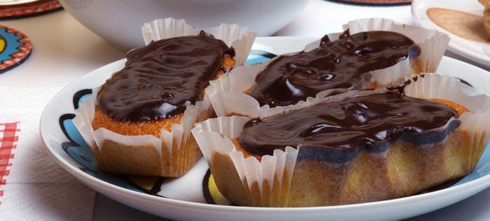 Confira a receita de bolo de cenoura com cobertura de chocolate criado pela chef Ana Soares.