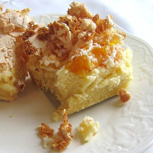Cousin Stan's Polish Peach Cheesecake Recipe - Sernik Brzoskwiniowy #peachcobblercheesecake