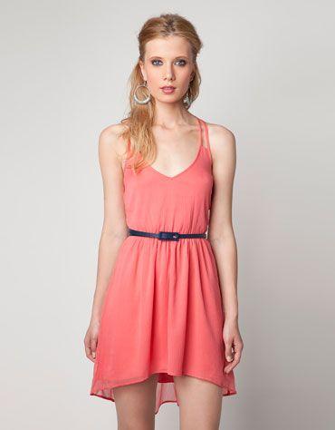 Épinglé par Emmia Carchon sur My Style | Mode vetement, Idées vestimentaires, Robe rouge