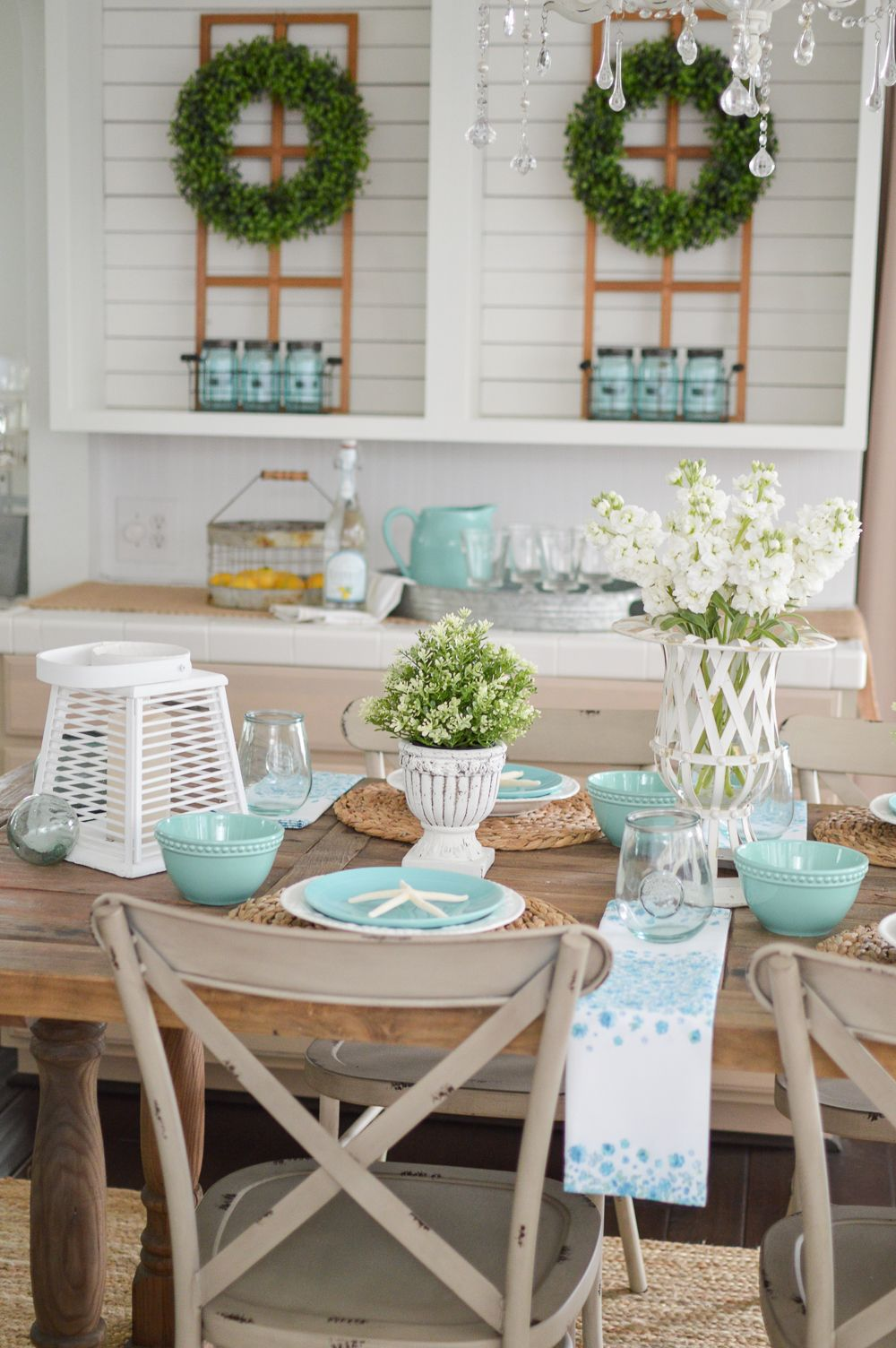 Simple Summer Decorating Ideas Farmhouse Table Decor Farmhouse Table Centerpieces Coastal Dining Room Decor