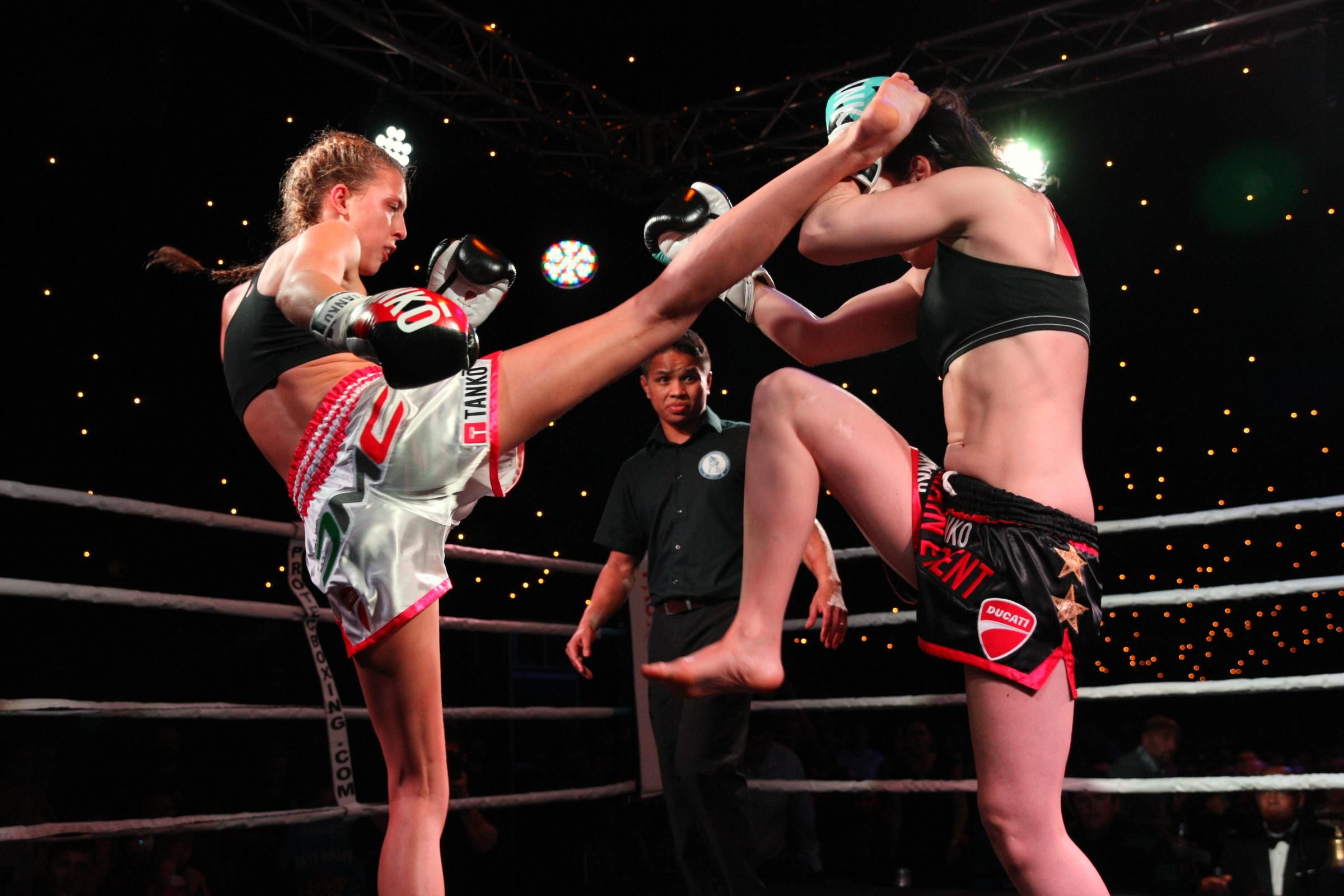 Watch Dakota Ditcheva Muay Thai video