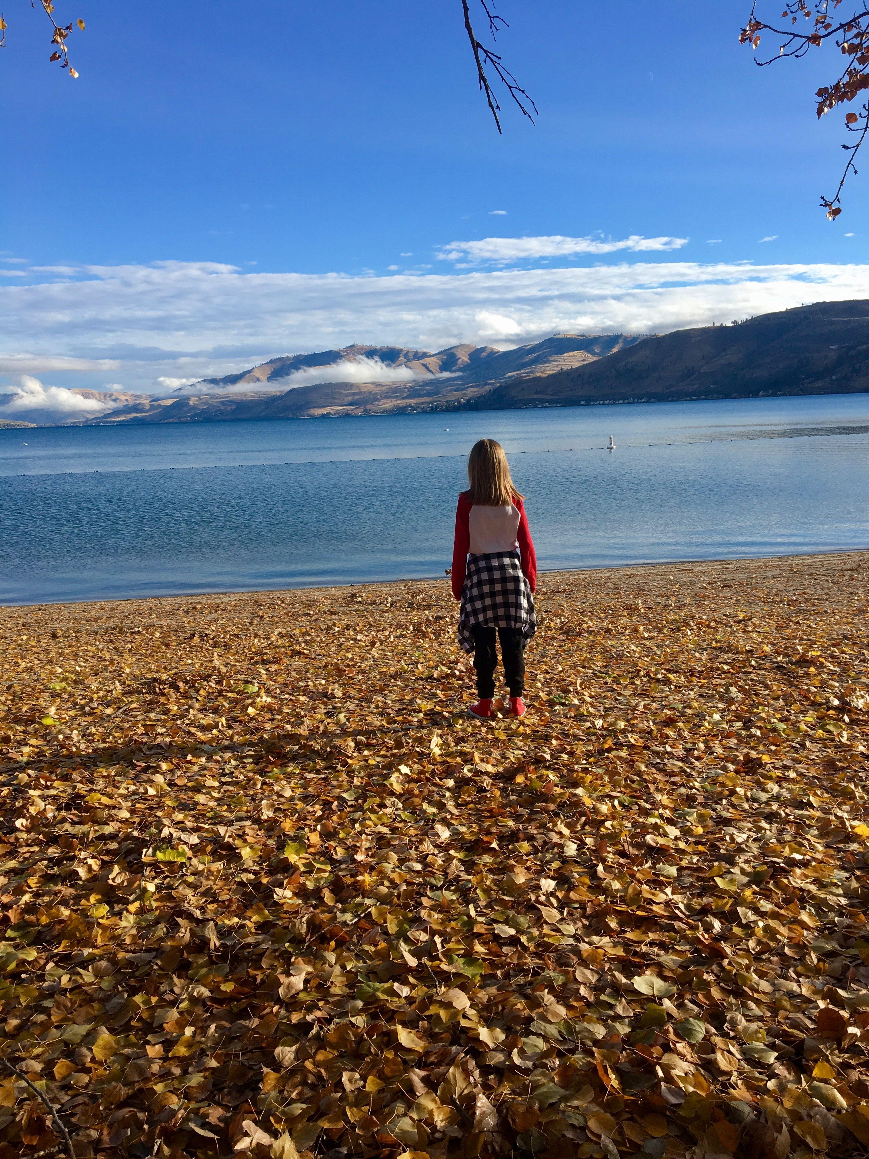 Lake chelan in fall at wapato point lake wapato