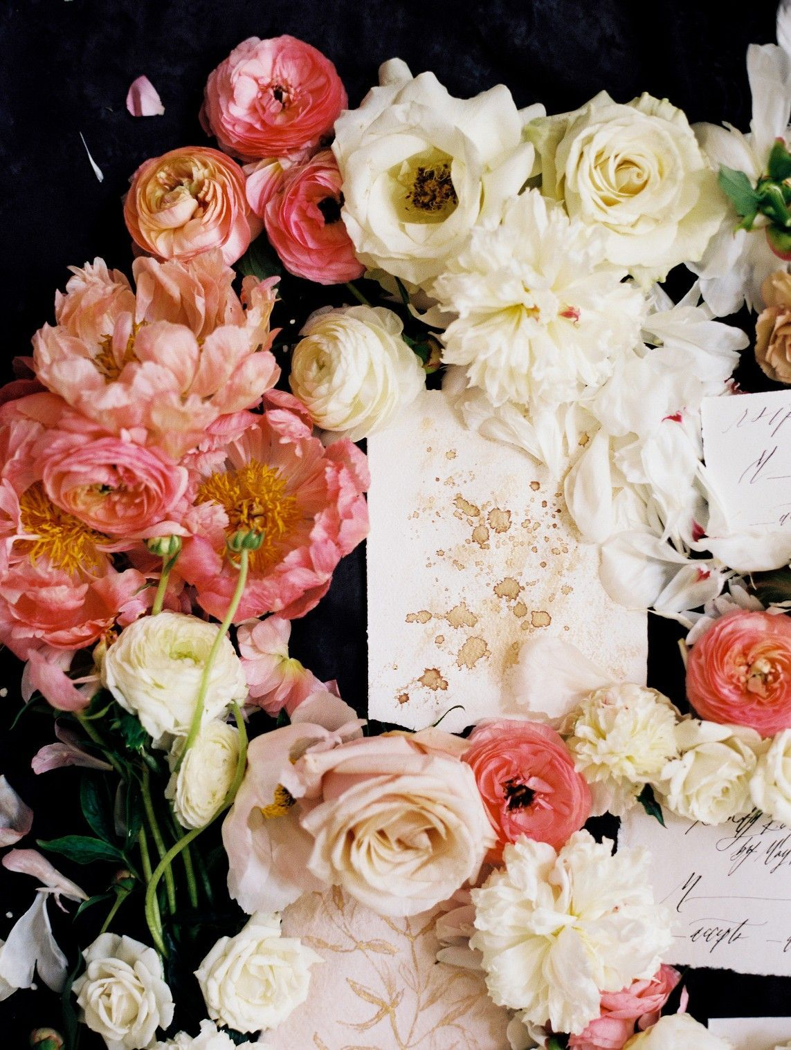 It S A Wedding Flower Explosion Make Sure You Don T Miss This Amazing Pink And White Flat Lay Is By Far The Gest That