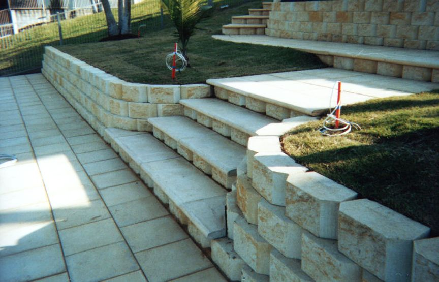 Nz Paver Layers And Landscapers Patio Deck Designs Garden Retaining Wall Retaining Wall Construction