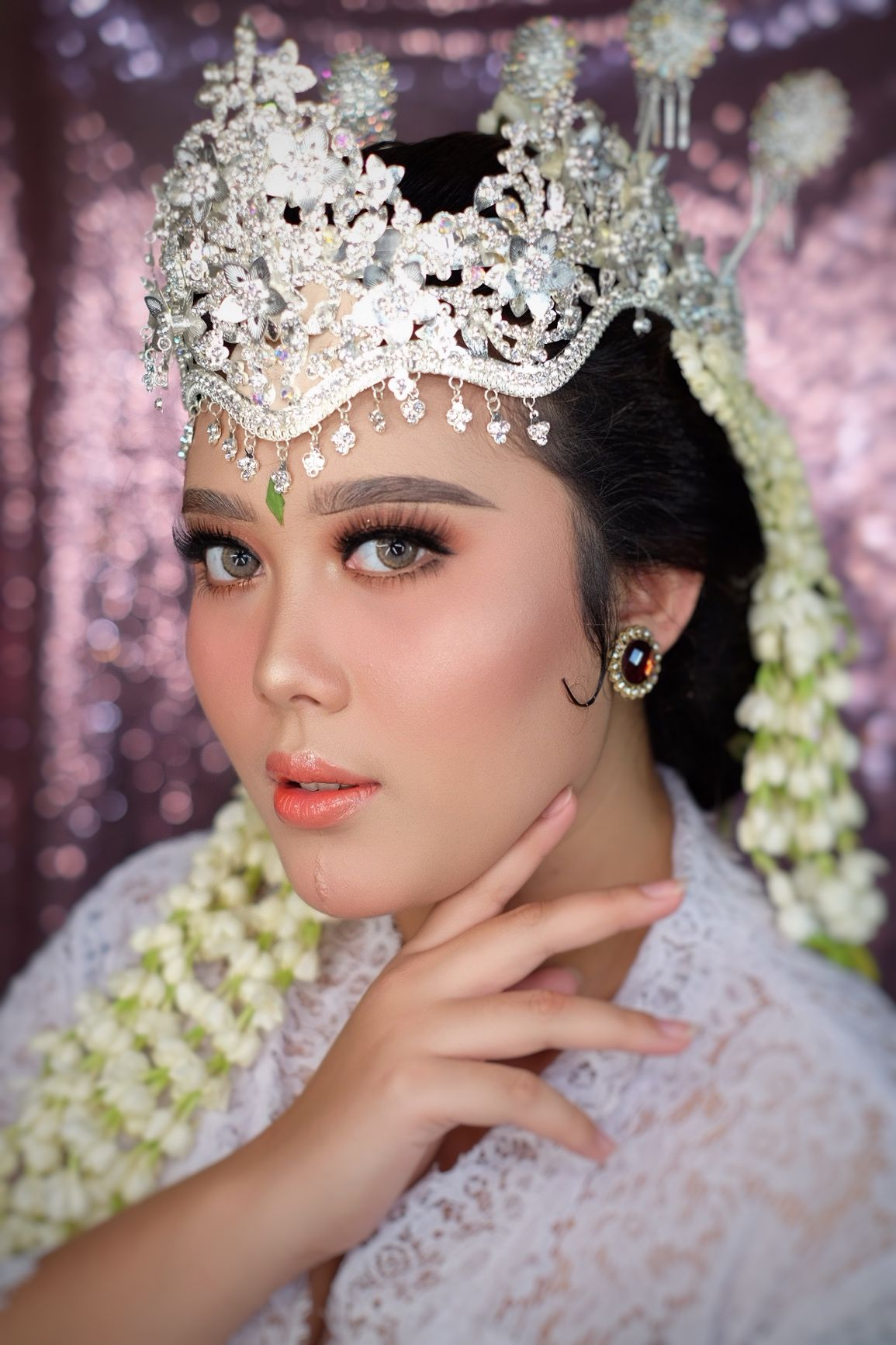 Pengantin sunda Makeup by MeydaAsaD indonesianwedding