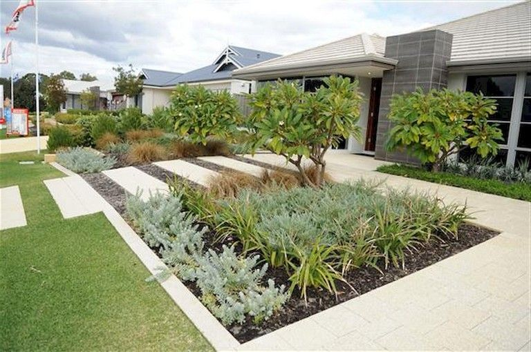 65 Homely Low Maintenance Front Yard Landscaping Ideas on ...