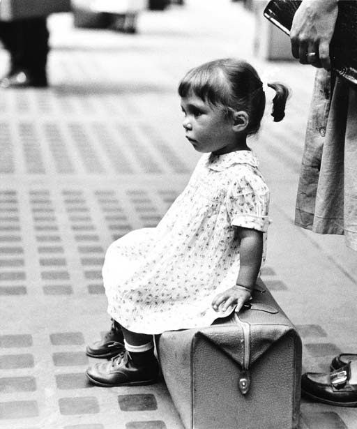 Child Waiting, Penn Station, Ruth Orkin. (1921 - 1985)